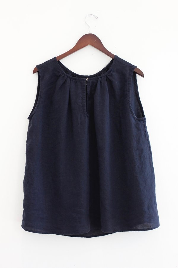 PIP-SQUEAK CHAPEAU Sleeveless Poet Top