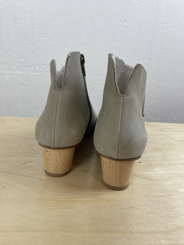 [pre-loved] Coclico Peep Toe Sandals - Tan