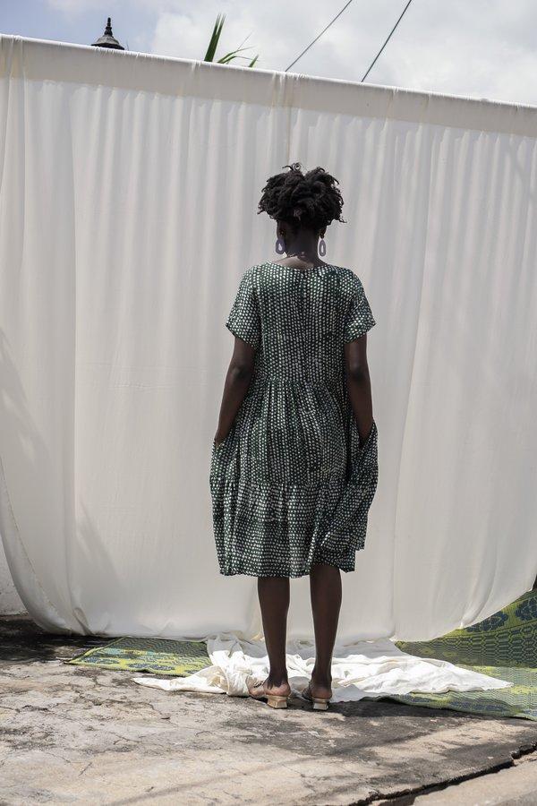 ReRuns Layer Dress in Bullfrog