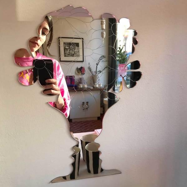 Face Vase Illusion Mirror