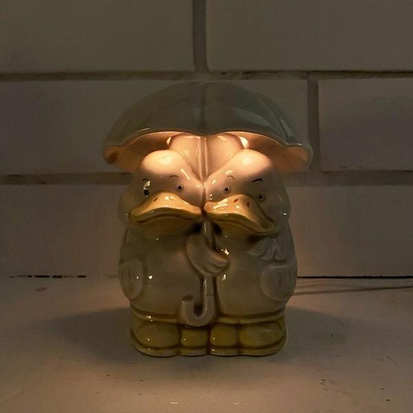 Vintage Porcelain Rainy Duck Duo Lamp