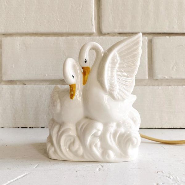 Vintage Porcelain Swan Lovers Lamp