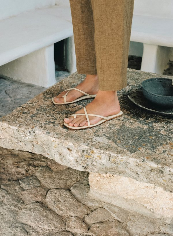 LOQ Cruz Sandals - Sand