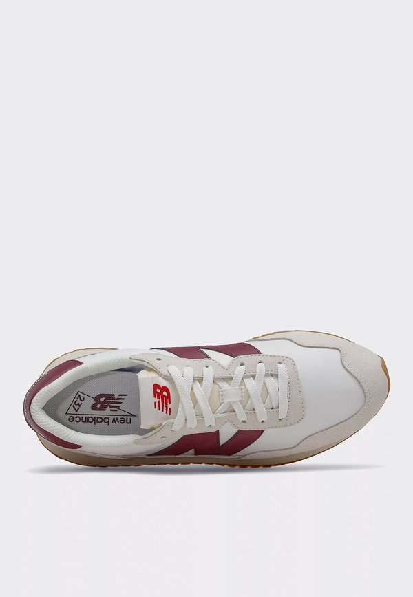 New Balance 237 Vintage Core Pack sneakers - beige/red