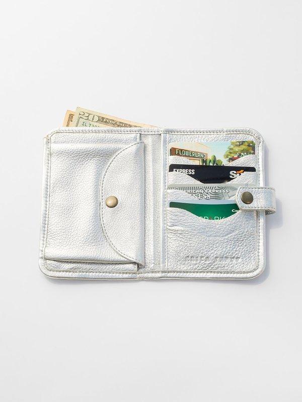 Erica Tanov Metallic Leather Wallet - Silver