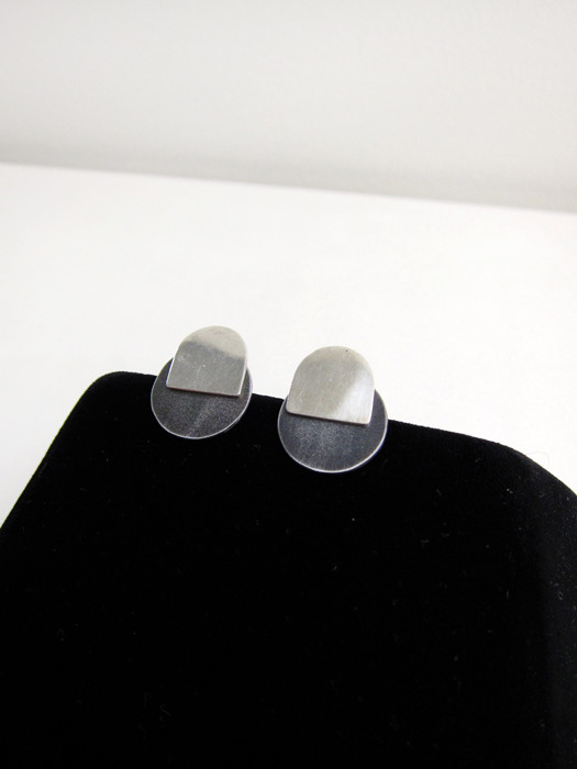 Kat Seale 2-Part Earrings Larger Circles