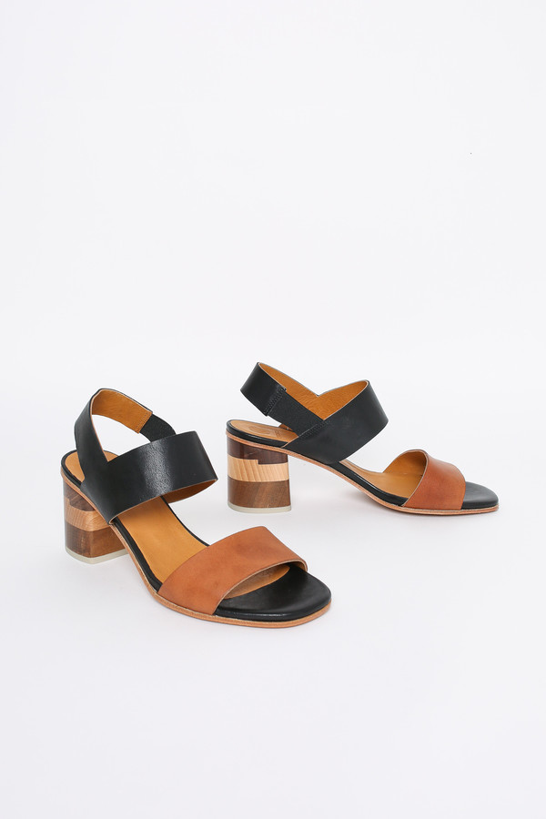 d9d399be3 Coclico Bask heel in black tan
