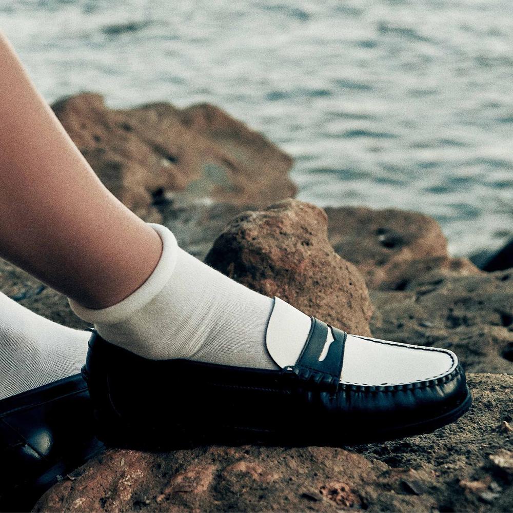 1950s Style Shoes   Heels, Flats, Boots Sebago Classic Dan Women 7001530-987 loafers - BlackWhite $265.00 AT vintagedancer.com