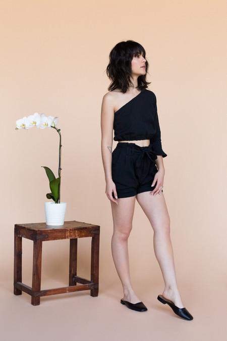 BETWEEN TEN Rachel Top - Black Linen