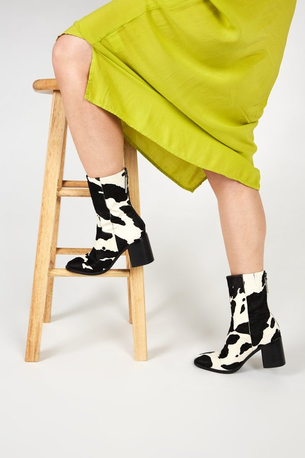"""""""INTENTIONALLY __________."""" Moo boot"""