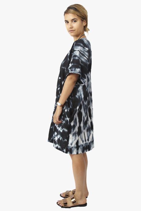 Uzi Oversized V Dress Tie Dye