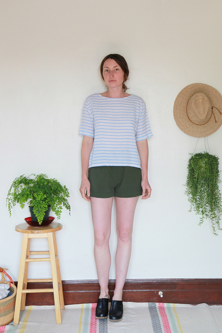 Me & Arrow Shorts Army Green Slub Cotton