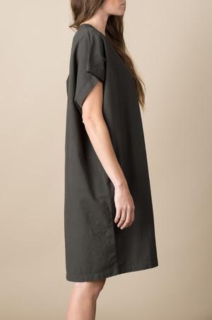 Lauren Manoogian Caftan In Carbon