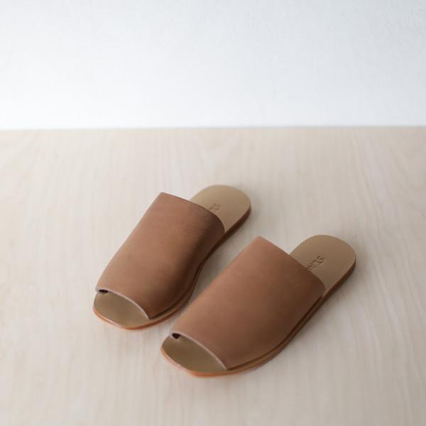 d5e3e4321637 St. Agni YUKA Slide Sandal