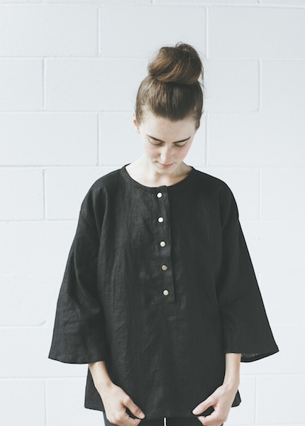 Sunja Link  Linen Top | Black