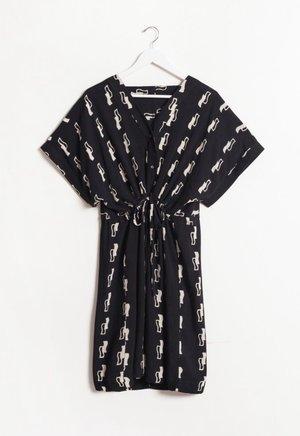 Osei-Duro Toss Kimono