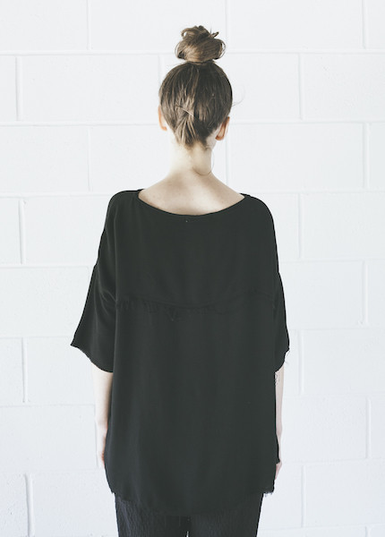 Black Crane Square Top | Black