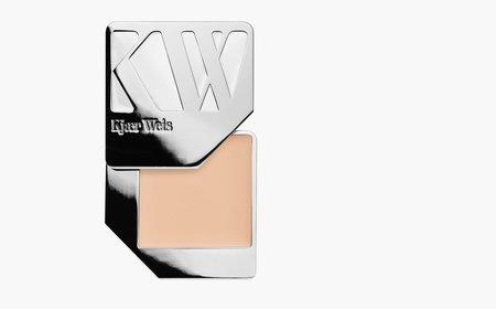 Kjaer Weis Lightness Foundation
