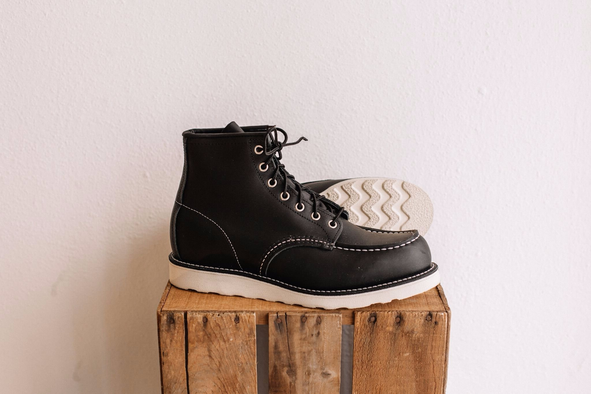 Red Wing Shoes Classic Moc No 9075 Black Garmentory