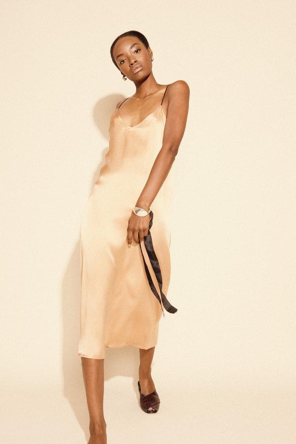 Kamperett Sade Silk Slip Dress