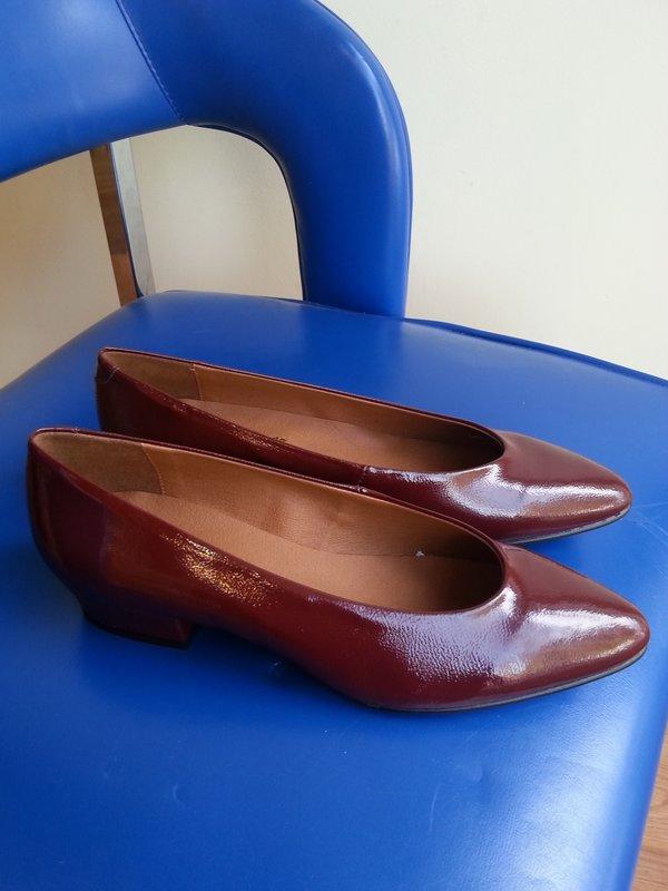 L'Intervalle Clou Heels - Bordeaux Leather