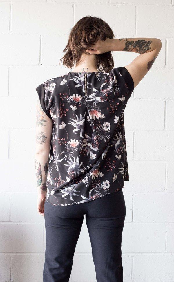 Body Bag Chelsea Top - Black Floral