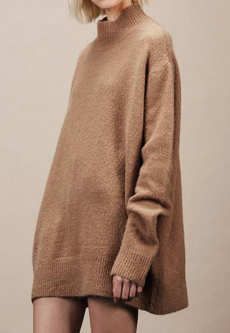 AGAIN Tyler Sweater - light camel