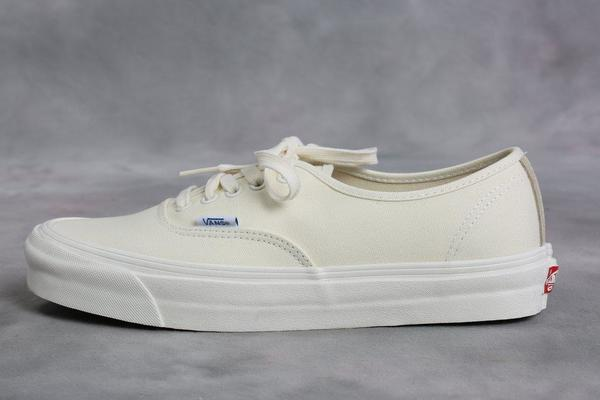 d33f5c8fc5 Vans Vault Off-White OG Authentic LX Sneakers