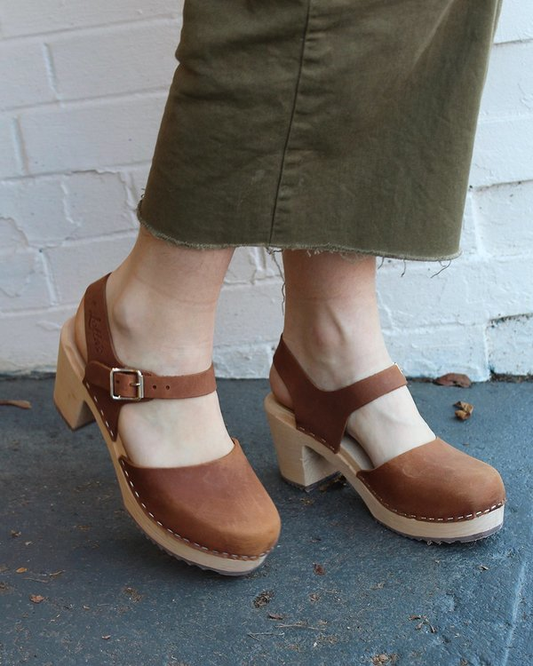 e23237525020dc Lotta from Stockholm Highwood Clogs in Brown Oiled Nubuck
