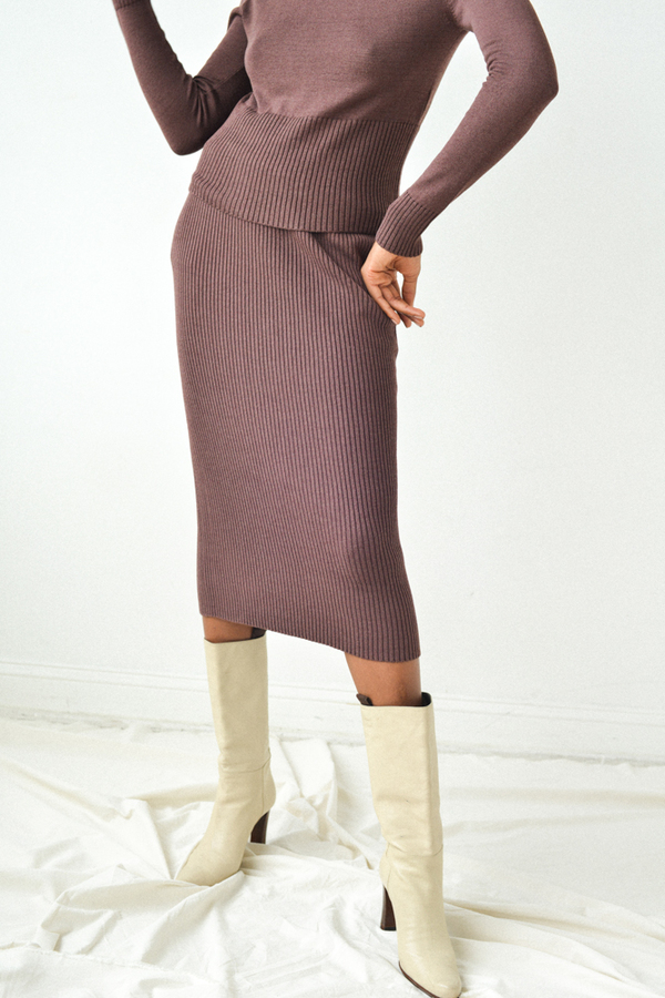 Hesperios Lou Bel Ribbed Pencil Skirt in Wine