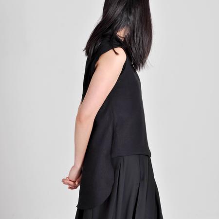 7115 by Szeki Frayed Edge Top - Black