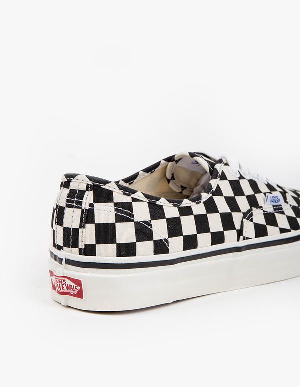 vans authentic checkerboard dx