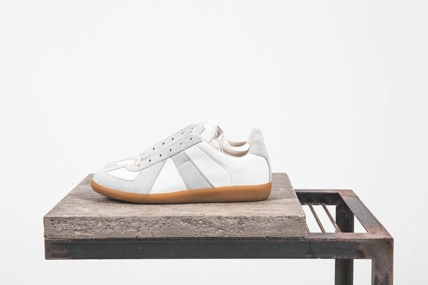 on sale 1218a f6199 Maison Margiela 22 Classic Replica Sneaker - White on Garmentory